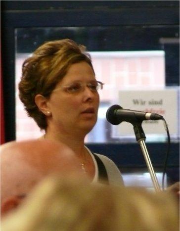 Andrea Hoeveler, die Sprecherin der Bürgerinitiative