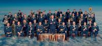 """Oberstleutnant Michael Wintering, musikalischer Leiter des Musikkorps, mit seinen """"Mannen"""""""