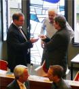 Die Vorsitzenden stimmen sich über das Prozedere ab - v.l.: Boss (CDU), Baus (FDP), Sasserath (Die Grünen)